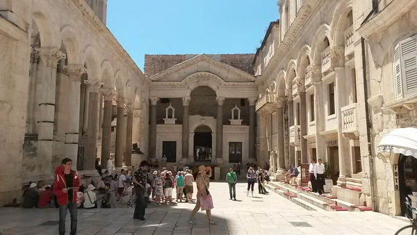 •TOTAL SPLIT TOUR (Tour of Diocletian's Palace & Old Town)-3h